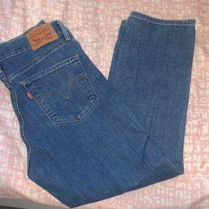 311 Shaping Skinny Capri Levi Jeans